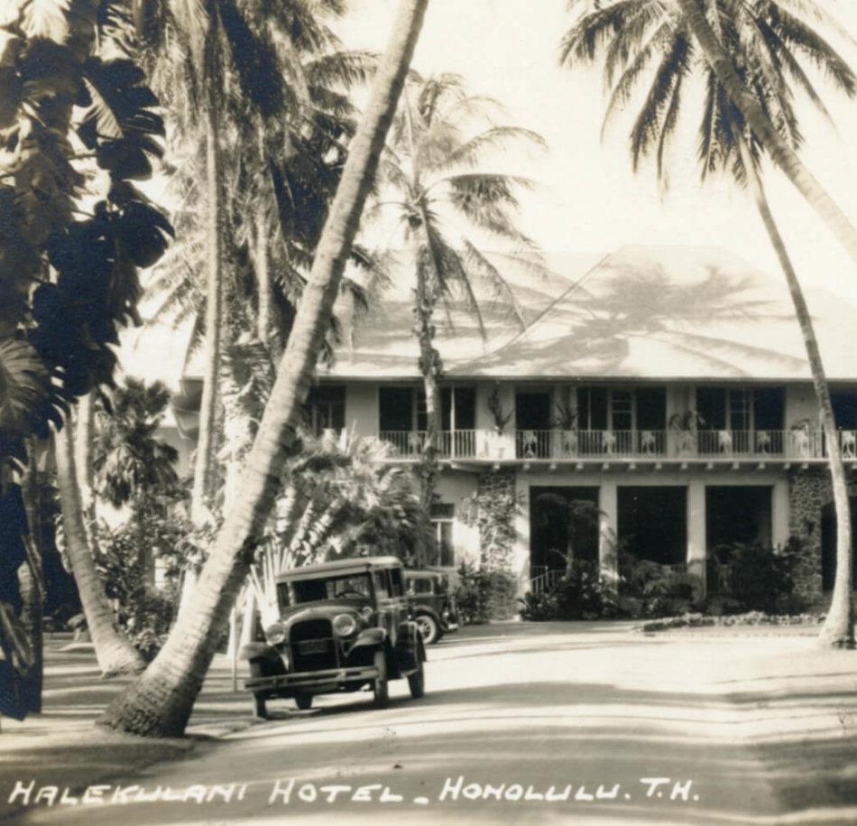 The original Halekulani began in 1907 as a residential hotel, owned by Robert Lewers